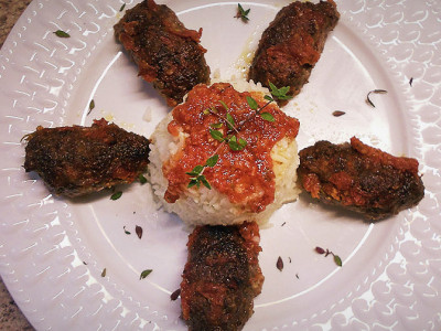 Σπιτικά Σουτζουκάκια με Σάλτσα - Aromatic Oriental Meatballs in Sauce
