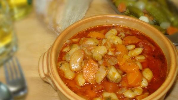Παραδοσιακή Φασολάδα - Greek Beans Soup