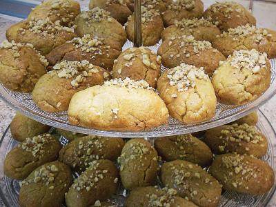 Μελομακάρονα - Christmas Cookies in Syrup