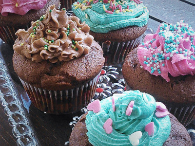 Σπιτικά Cupcakes με Βουτυρόκρεμα - Homemade Buttercream Cupcakes