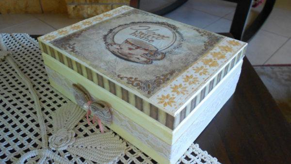 Κουτί για Τσάι με Ντεκουπάζ