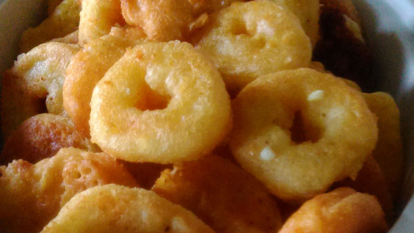 Αλμυροί Λουκουμάδες με Τυρί - Savory Cheese Donuts